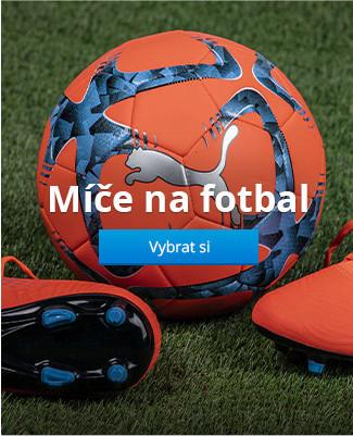 Míče na fotbal